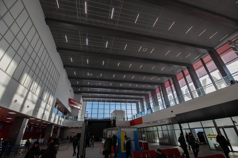 Сто пассажиров не смогли улететь в Узбекистан