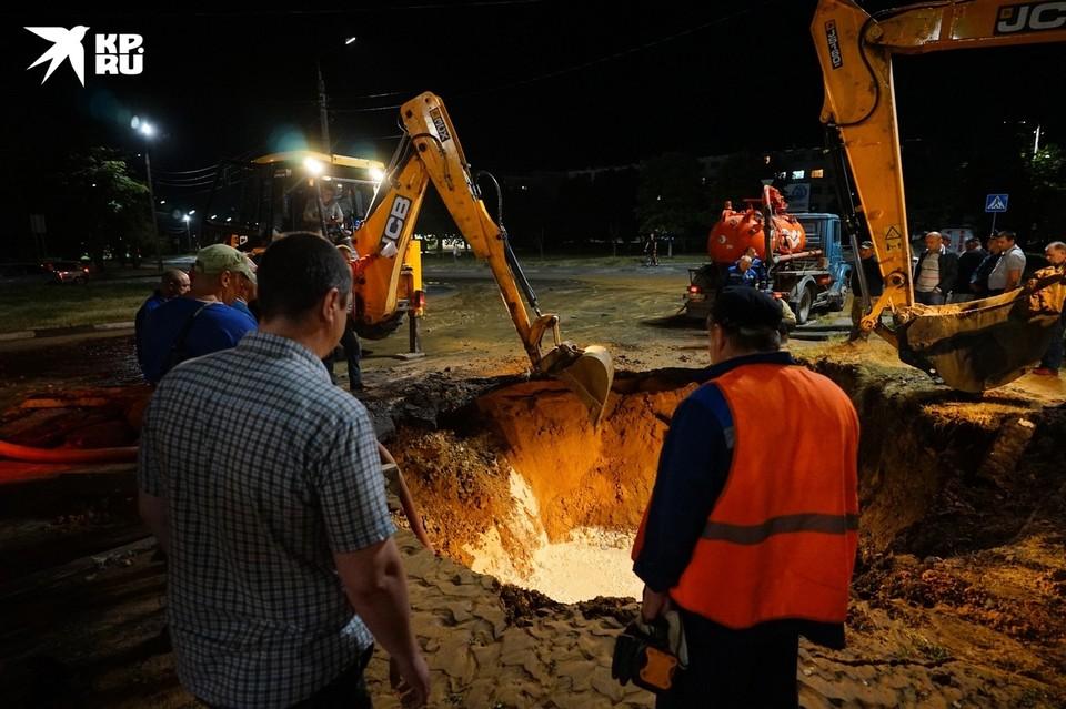 Авария на водопроводе в Орле случилась 7 июля и оставила без воды около 100 тысяч человек