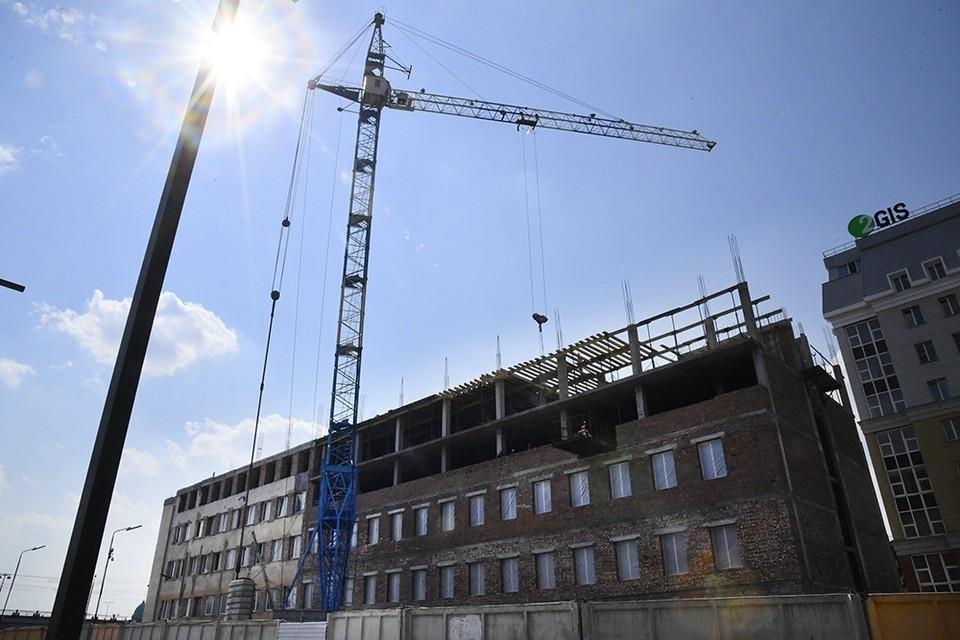 Строительство четырехзвездочного отеля идет по плану.