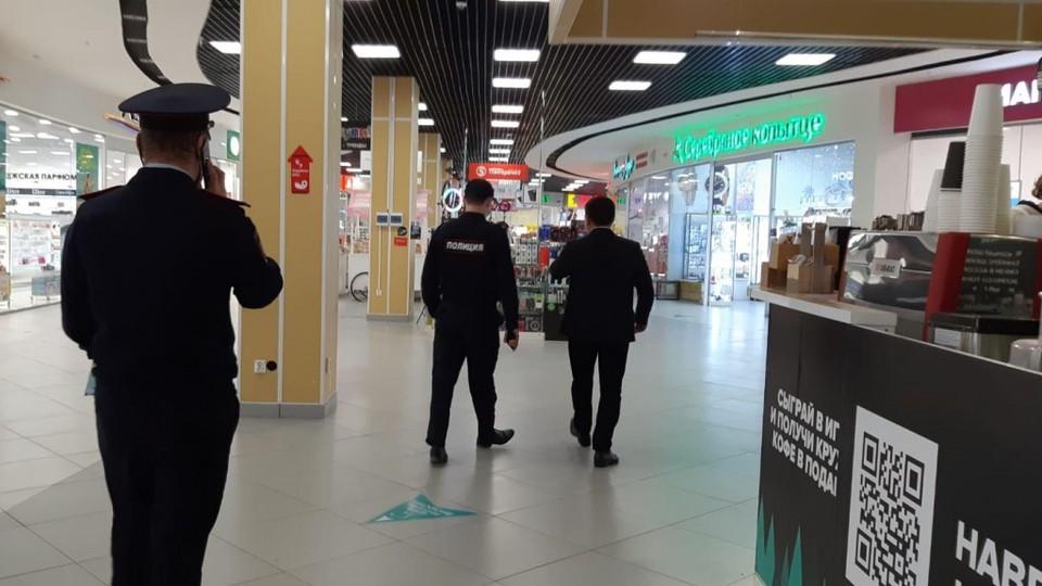 В торговых центрах Югорска проверяют соблюдение масочного режима Фото: Администрация Югорска