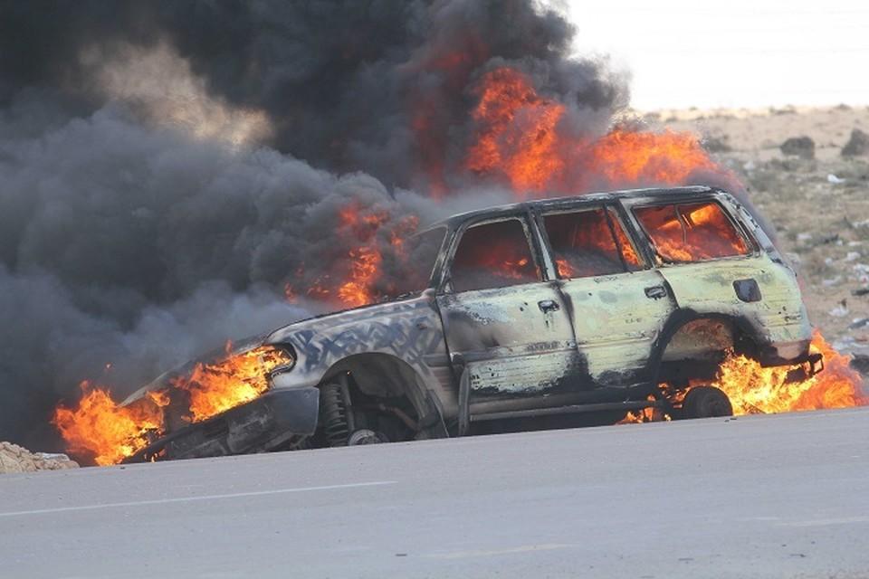 Хулиганы подожгли две машины в Хабаровске