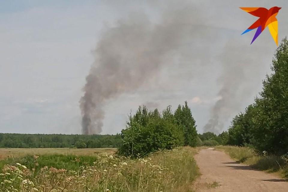 Огня нет, но дым продолжает валить. ФОТО: Александра КУБАСОВА
