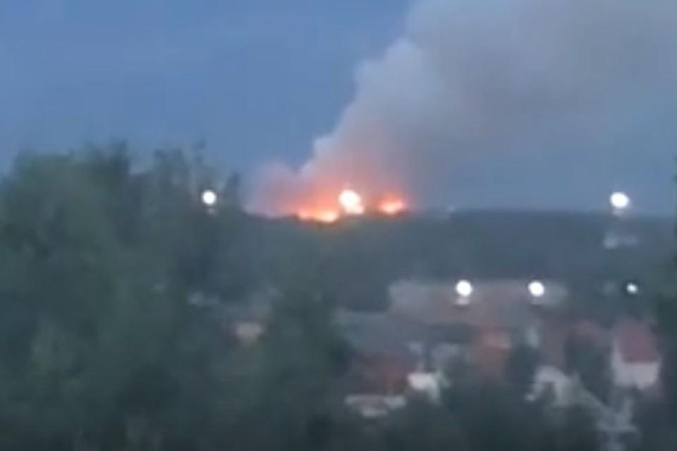 В Новосибирске загорелась свалка. Фото: стоп-кадр