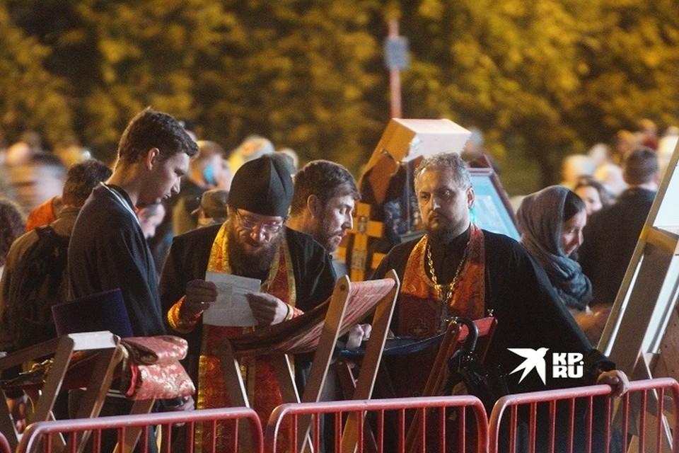 Священники Екатеринбургской епархии защищены от коронавируса