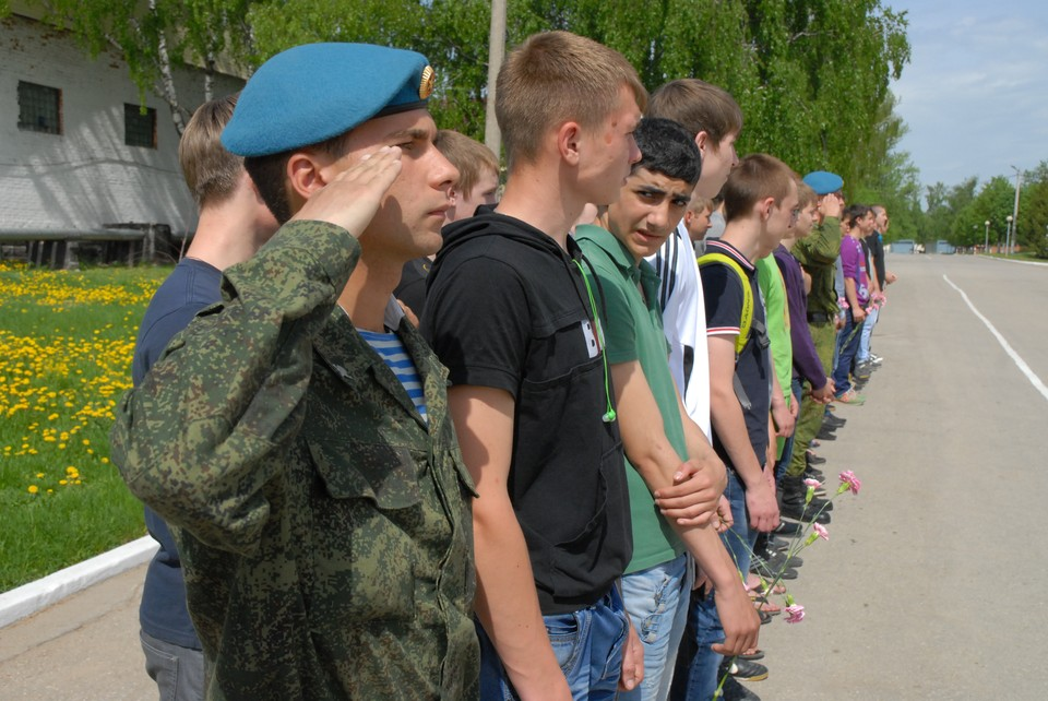 За весенний призыв на военную службу из Тульской области направлено 1600 человек