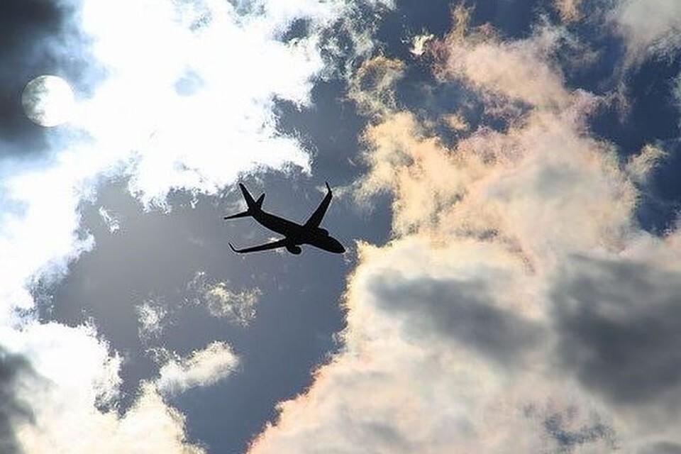Самолет из Новосибирска, летевший в Симферополь, экстренно сел в Челябинске.