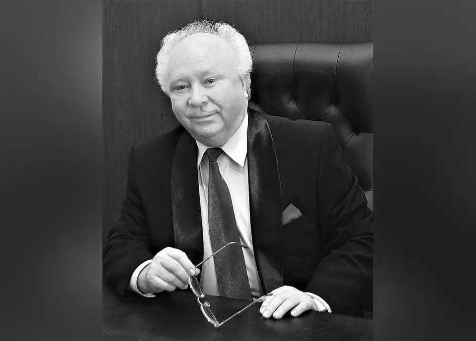 Анатолий Германович Гостев был создателем лицея №11. Фото: мэрия Челябинска.