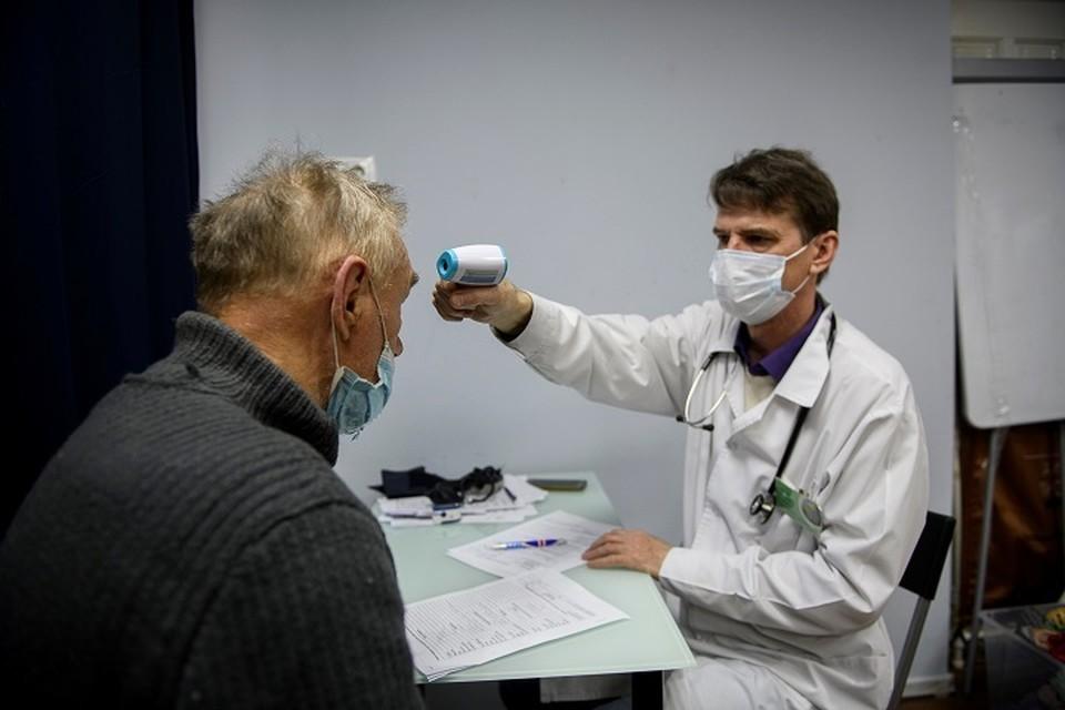 Волонтеры подключились к работе пунктов вакцинации в Хабаровске