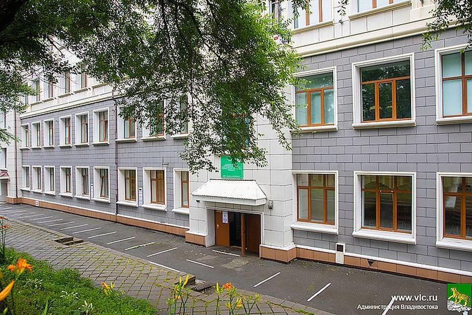 Дополнительные деньги выделят на ремонт школ и детских садов во Владивостоке. Фото: Евгений Кулешов.