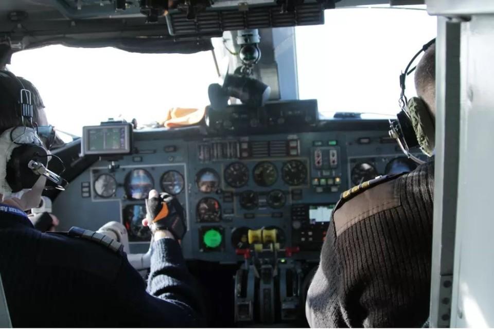 На борту находились 3 члена экипажа и 14 пассажиров.