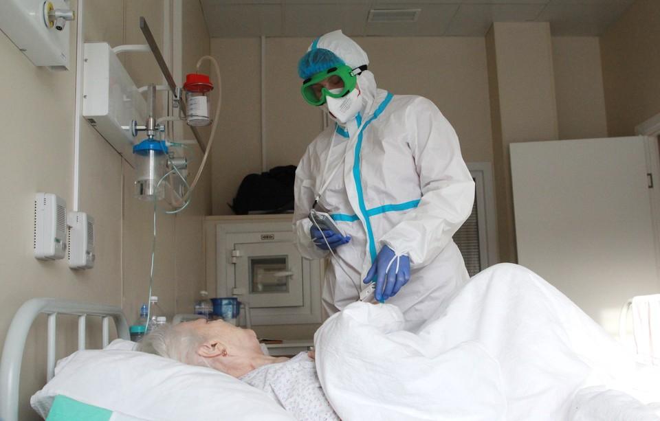 Третья волна и вакцинация пенсионеров: власти Кузбасса оценили ситуацию с коронавирусом.