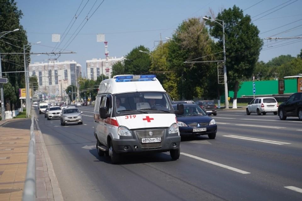 В Ростове не справившийся с управлением водитель погиб в ДТП