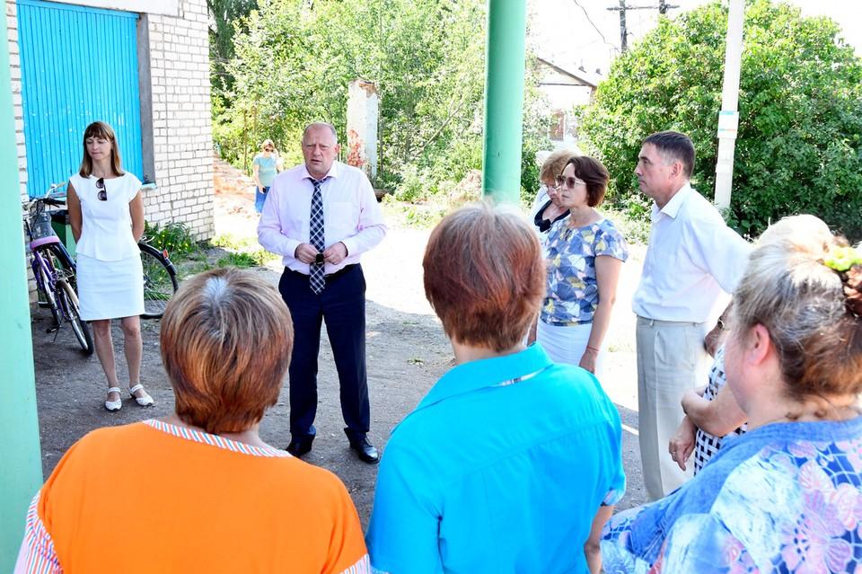 На встрече с жителями. Фото:ЗСТО