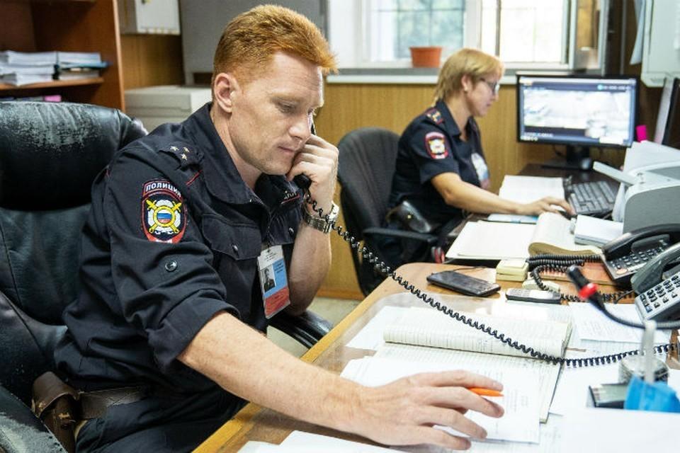 В Усолье-Сибирском посетитель украл мобильник из торгового павильона