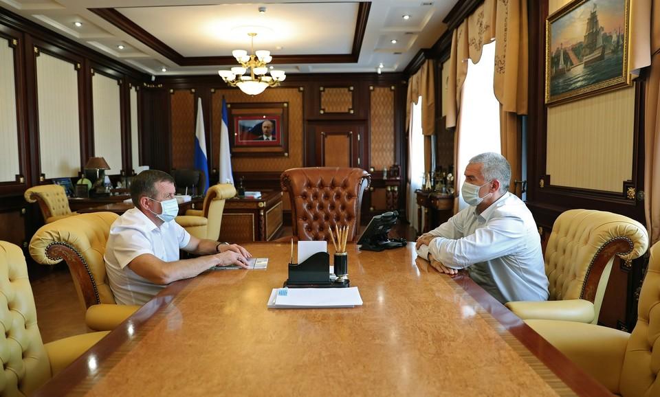 Заявление на увольнение было написано по собственному желанию. Фото: Сергей Аксенов / Вконтакте