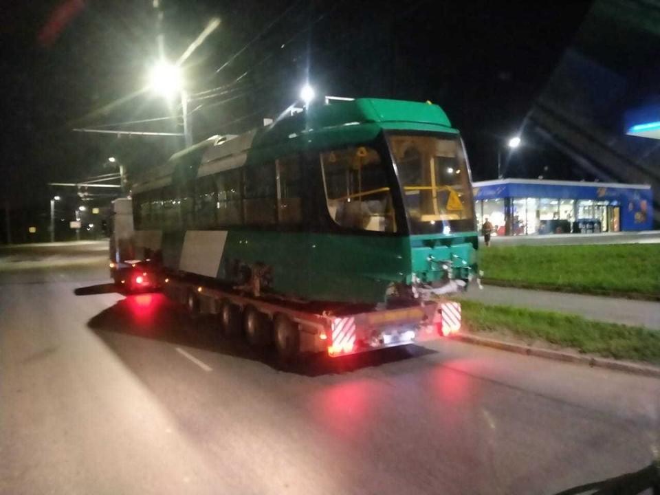 Новые трамваи уже завозят в Челябинск.