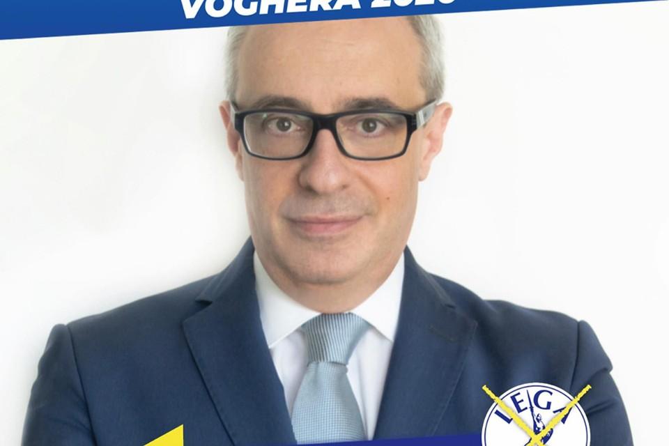 Массимо Адриатичи в прошлом полицейский, а ныне — консультант по безопасности муниципалетета Вогера Павия и член правой итальянской партии «Лига»
