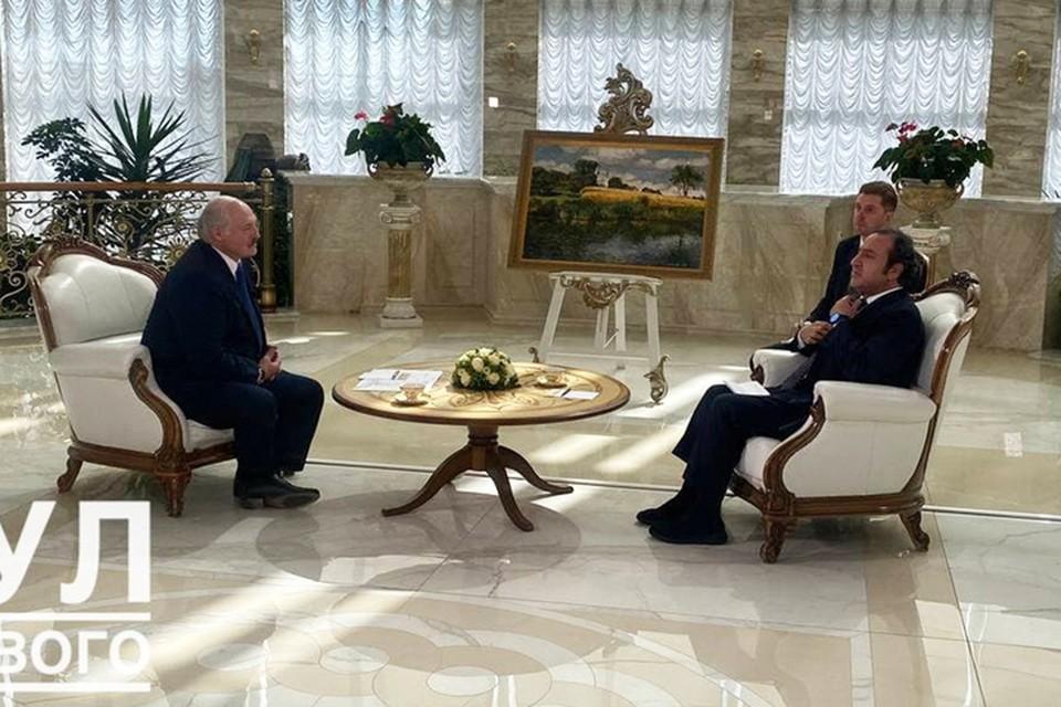 Александр Лукашенко в интервью арабскому телеканалу высказался о том, кто руководит провокациями в Беларуси. Фото: Пул Первого.