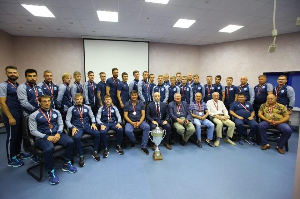 """ФК """"Челябинск"""" в течение пяти последних сезонов четыре раза завоевывал медали первенства России."""