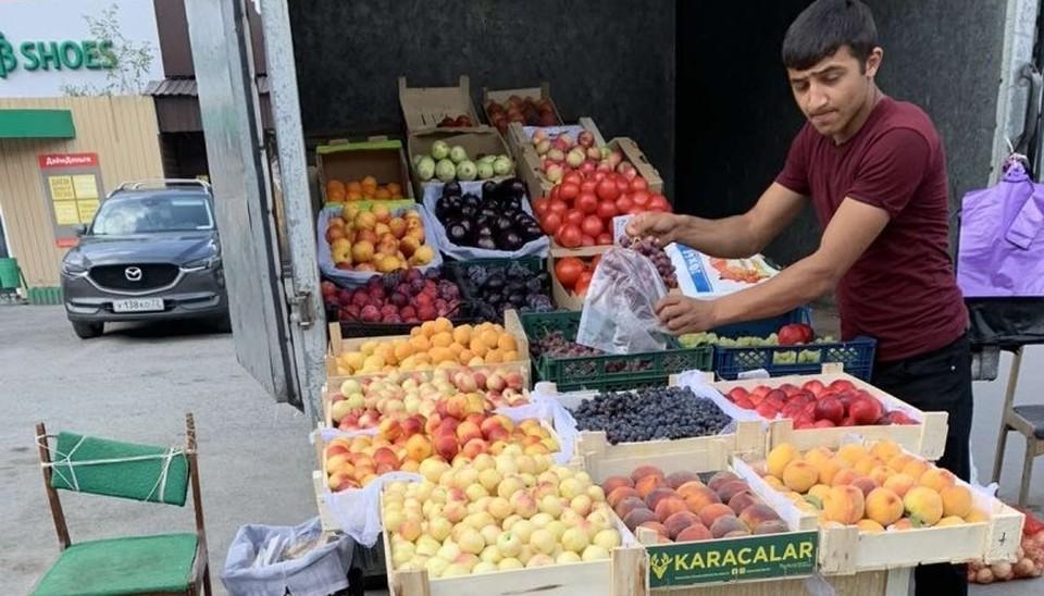 В Тюмени уличных торговцев оштрафовали на полтора миллиона рублей.
