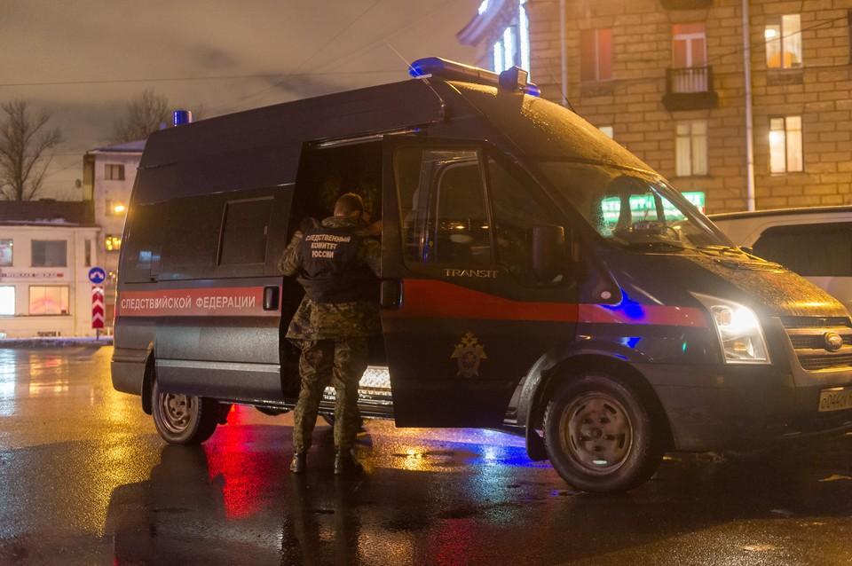 В Петербурге задержали женщину, избившую палкой сотрудницу полиции