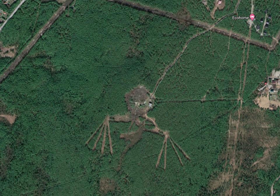Физически погулять по этому месту можно, двигаясь от базы Ecohome к координатам 68.84942807422982, 33.17242486771949. Фото: Google Maps