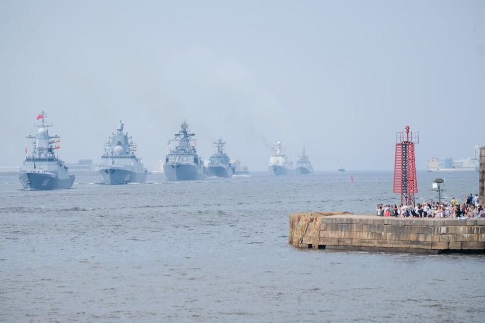 В День ВМФ в Кронштадте прогремит салют.