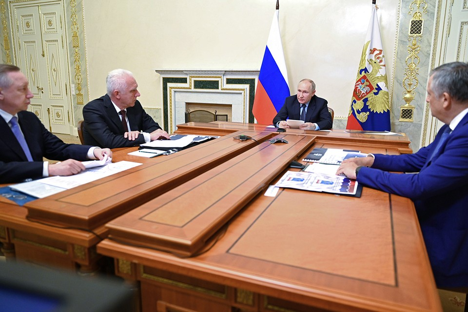 Владимир Путин провел совещание о развитии Петербургского транспортного узла. Фото: Алексей Никольский/пресс-служба президента РФ/ТАСС