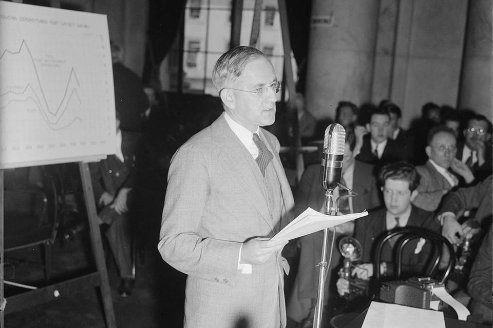 Гениальный экономист Локлин Карри в разгар Второй мировой рассорил Америку с Китаем и толкнул его в объятия СССР