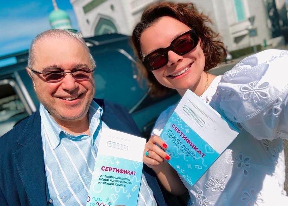 Евгений Петросян с женой Татьяной вакцинировались перед концертами и телесъемками.