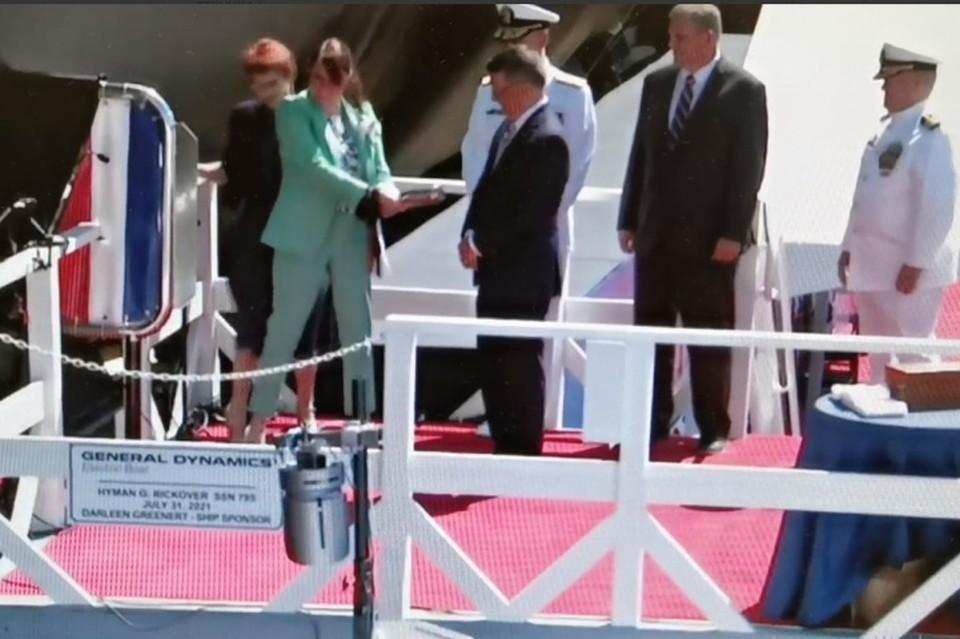 Церемонию «крещения» новой американской субмарины транслировала компания General Dynamics