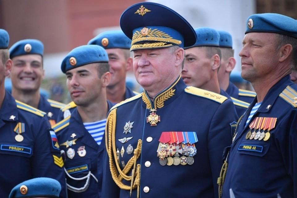 Командующий Воздушно-десантными войсками России генерал-полковник Андрей Сердюков