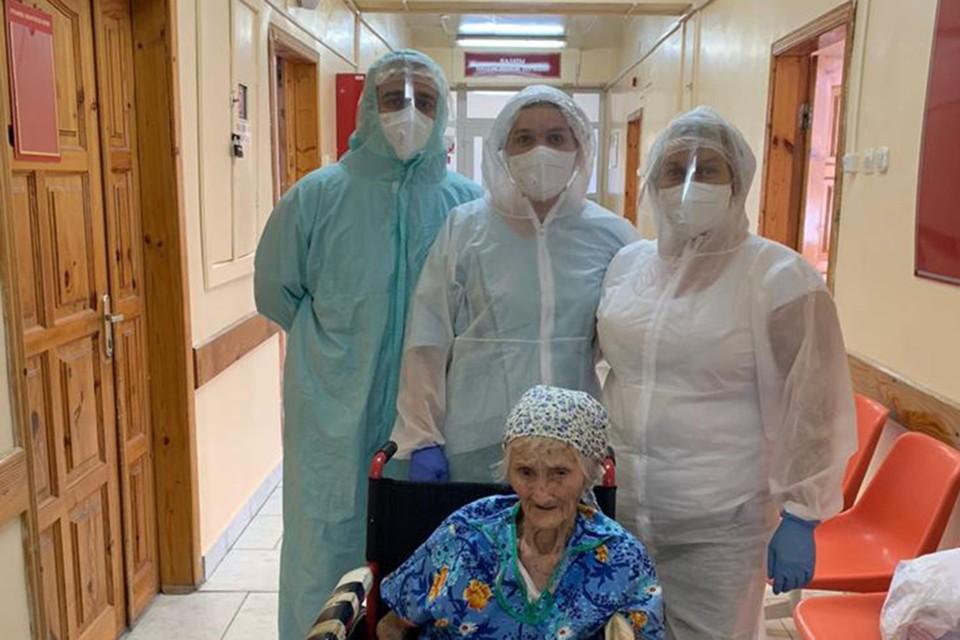 В Липецке 103-летняя бабушка победила коронавирус