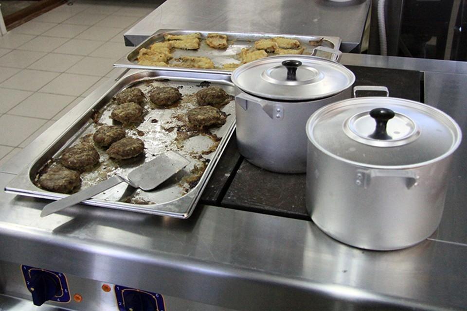 Около 38 тысяч школьников обеспечат горячим питанием