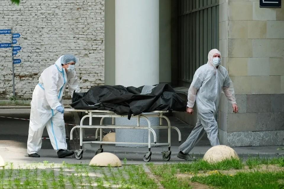 В Ленобласти за год смертность выросла на 20%.