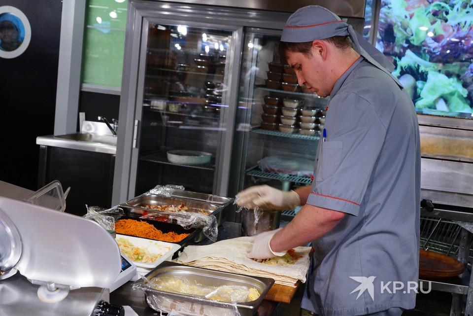 Шаурму готовят во всех районах Екатеринбурга