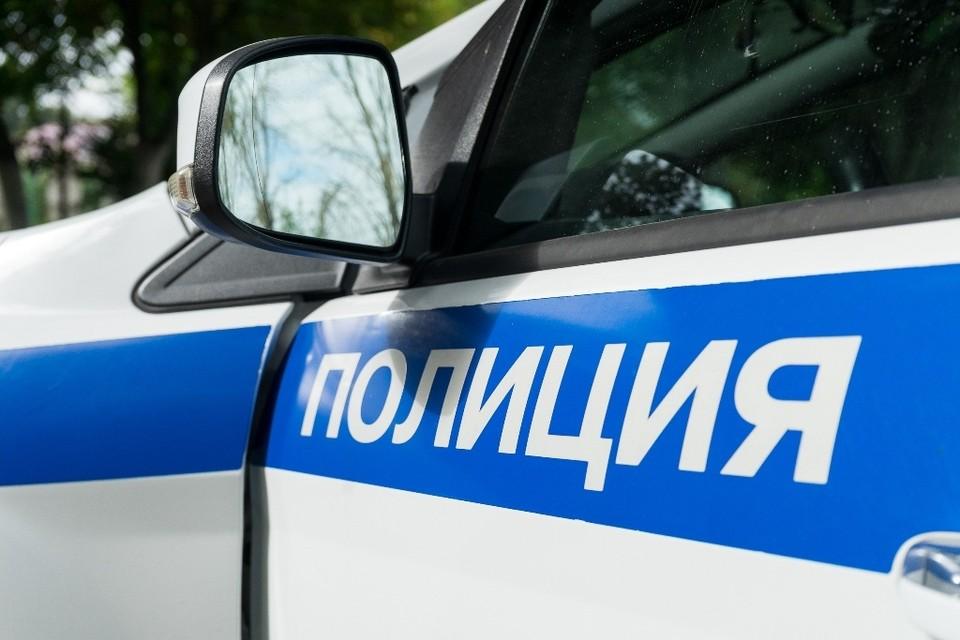 На Московской в Орле «Лада» врезалась в столб из-за помехи на дороге