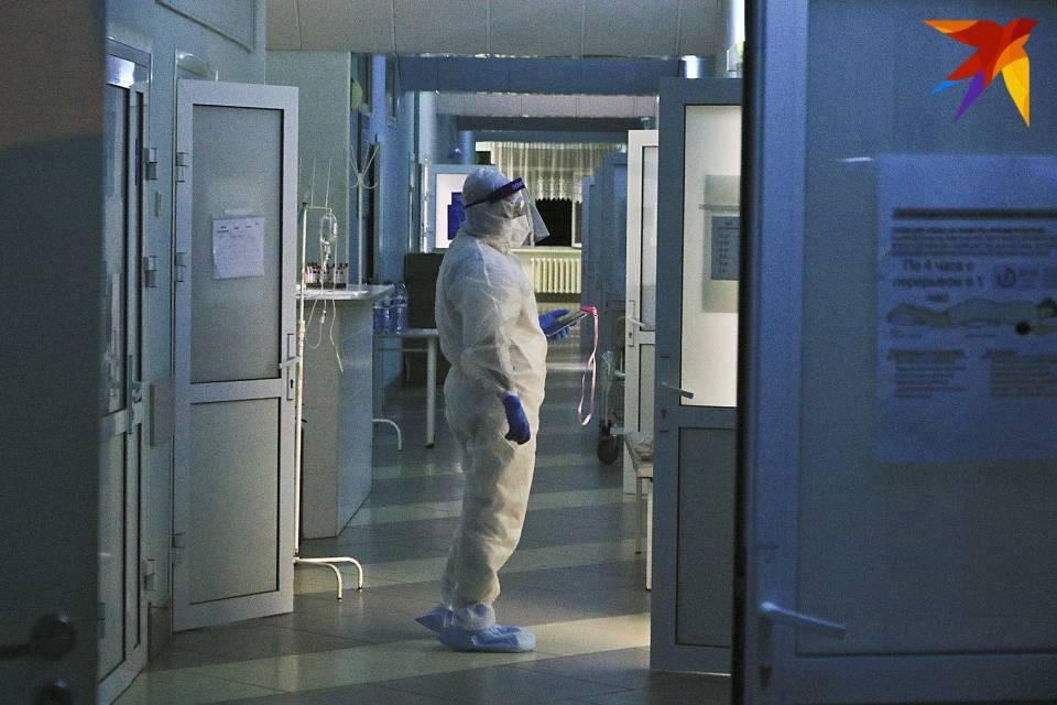 В Мурманске постепенно снижается число заболевших коронавирусом за сутки.