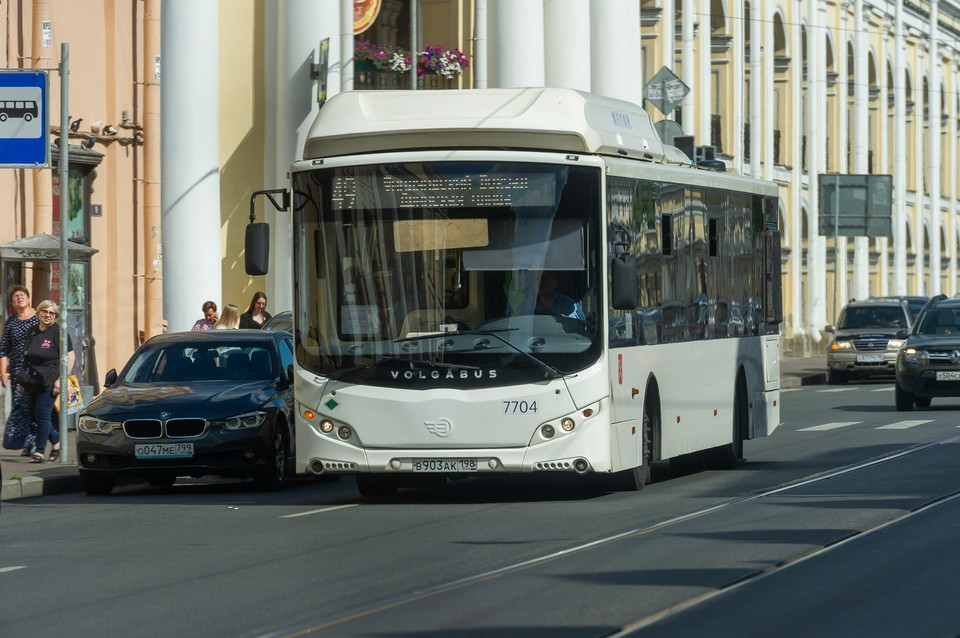 На востребованных маршрутах в Петербурге пустят дополнительные автобусы