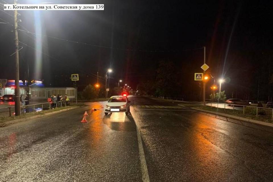 Возможной причиной несвоевременной реакции водителя могло стать темное время суток. Фото: vk.com/gibdd43