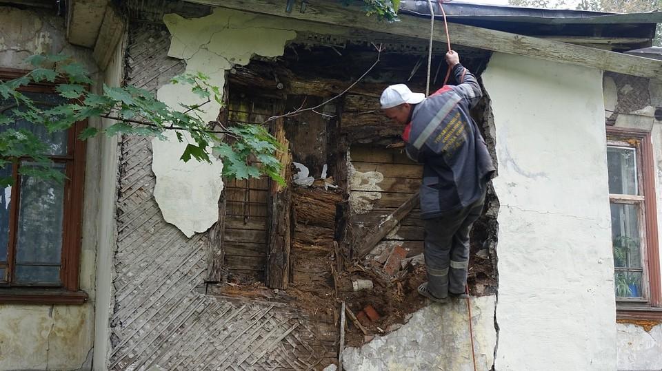 Рабочие выполнили обшивку стен здания. Фото: admkirov.ru
