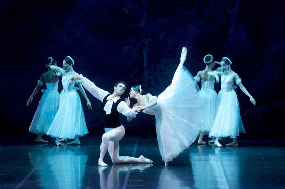 В гастрольную программу вошли постановки, которые уже полюбились как казахстанским, так и зарубежным зрителям.