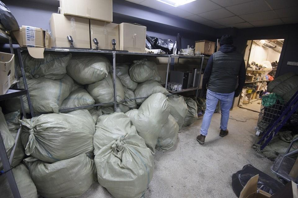 Работники ЕМУП «Спецавтобаза» вывезли из Екатеринбурга на специализированные полигоны для захоронения 35 незаконных «складов»