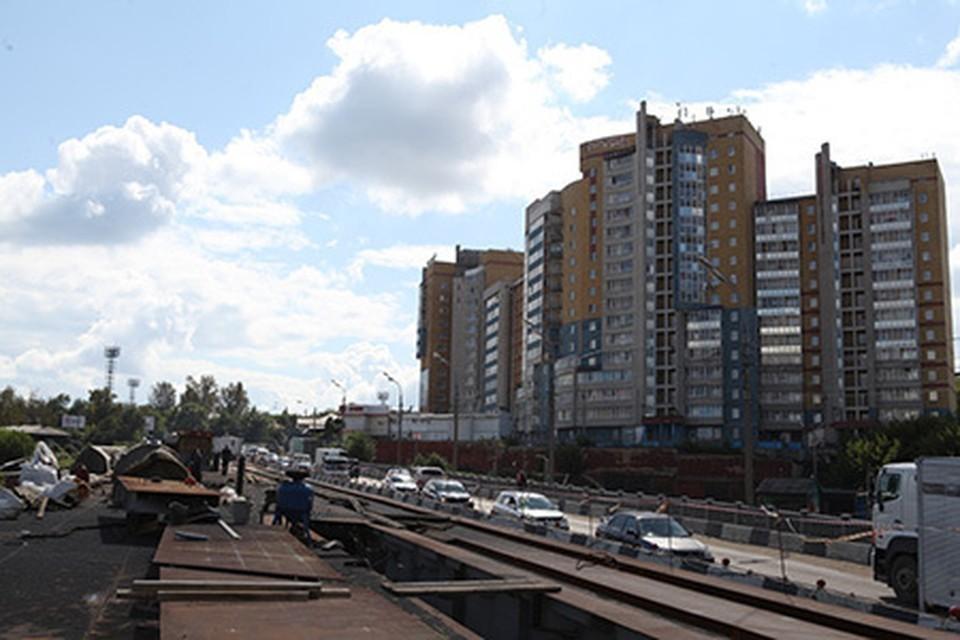 Движение по первой половине путепровода на улице Джамбула в Иркутске откроют до 30 сентября. Фото: администрация Иркутска
