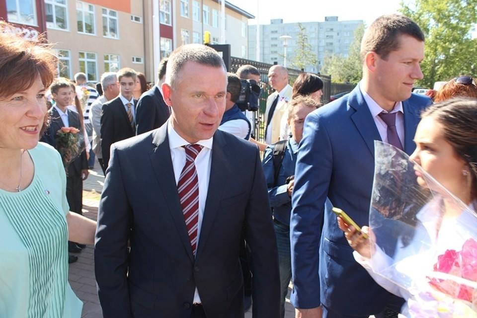 Евгений Зиничев на торжественной линейке 1 сентября 2016 года.