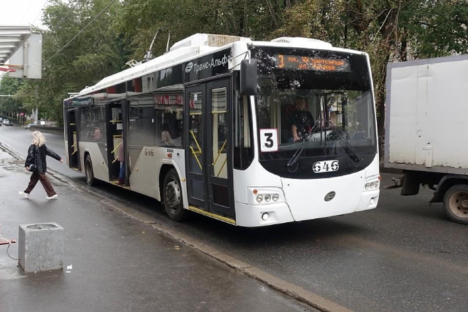 Несколько перевозчиков регулярно выводит на маршрут меньшее количество машин, чем необходимо. Фото: admkirov.ru