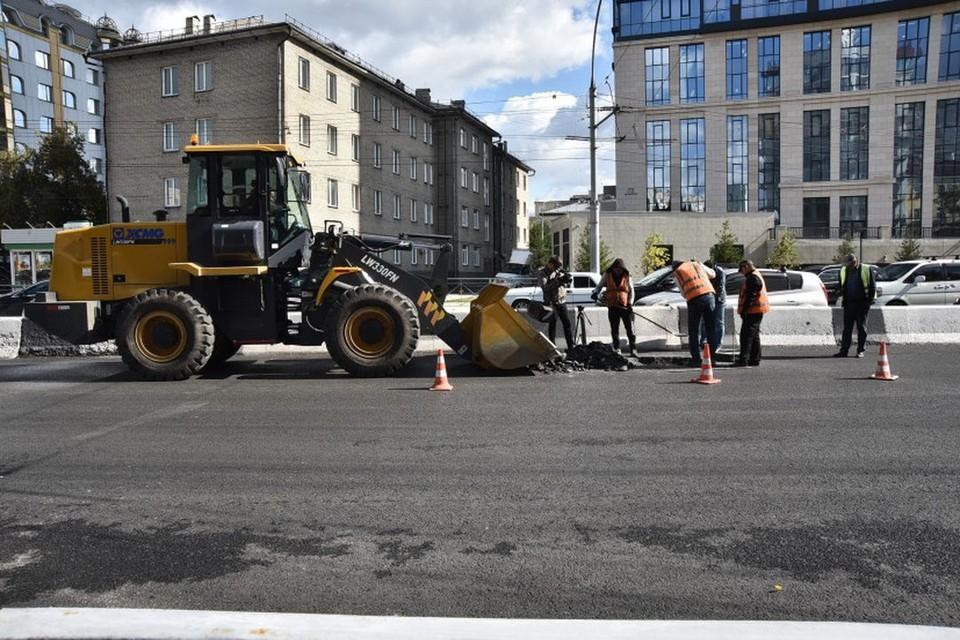 Губернатор потребовал жесткой синхронизации работы дорожников и коммунальщиков. Фото: Правительство Новосибирской области