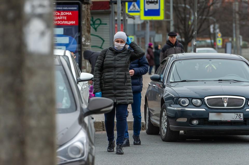 """Петербург уступил """"лидерство"""" по приросту зараженных коронавирусом Москве"""