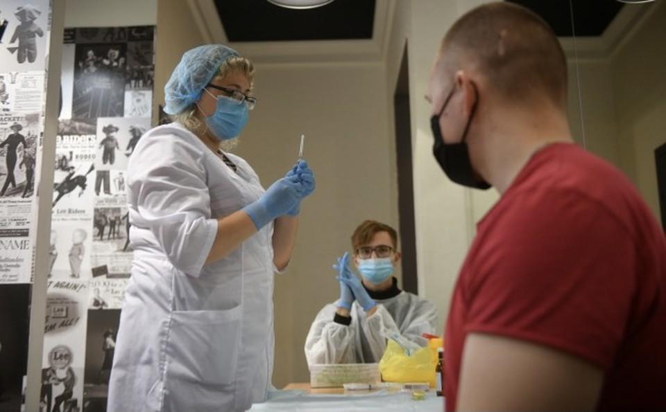 По информации столичного Оперштаба, за прошедшие сутки коронавирусом заразились ещё 138 смолян.