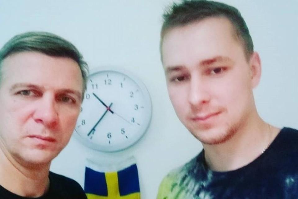 «Родственников мы не видели год»: отец и сын из Витебска уже год живут в посольстве Швеции в Минске. Фото: dw.com